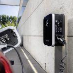 EQ Power: hybridné vozidlá dobíjateľné zo siete prinášajú elektrickú mobilitu do každodenného života