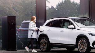 Pravda o najväčších mýtoch o elektromobiloch: Odpovedajú odborníci a skúsený majiteľ e-auta